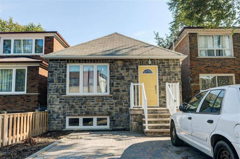 SOLD: 31 Highview Ave. Scarborough