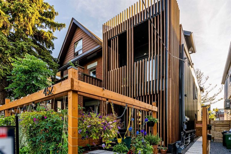 Just Listed: 452 Montrose Ave.